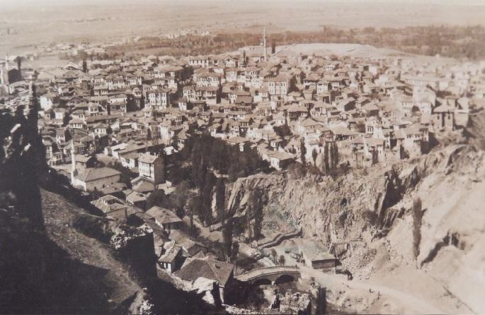 1920lerin_sonu_bendderesivehacibayram_arkakapak