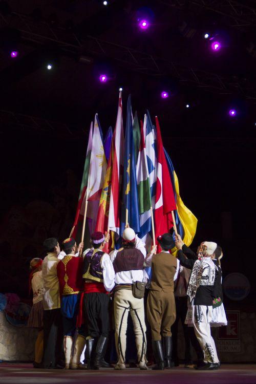 salihg-yildirim-sergileme-bayrak