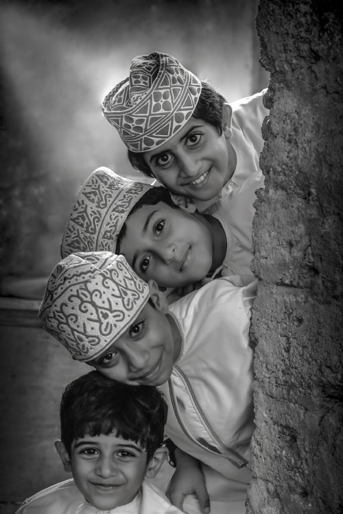 shaikha-al-salti-oman-sergileme-purity-of-childhood