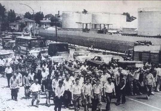 turyag-008-muzaffer-ceyhan-yerlikaya-1975-soforlerin-daha-dikkatli-gitmeleri-icin-yapilan-eylem