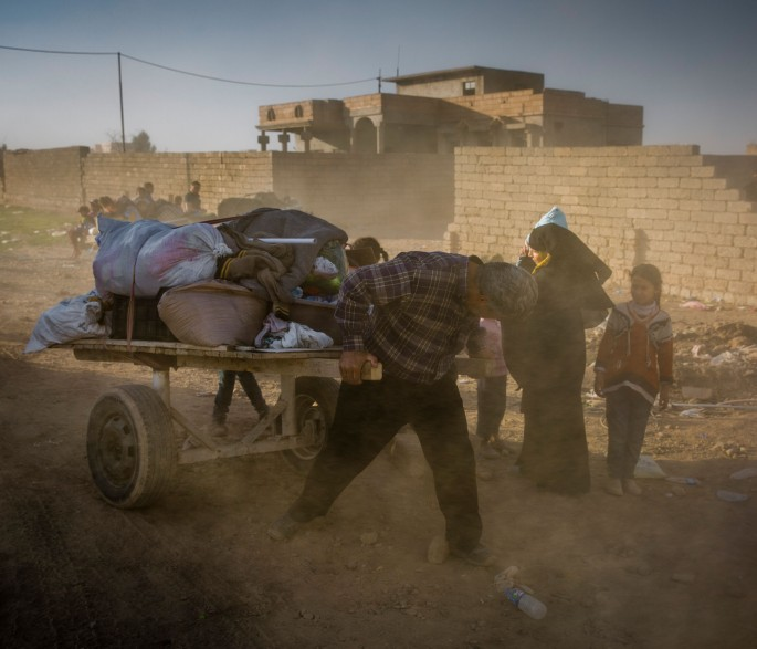 Iraq. Internally displaced Iraqis flee fighting in Mosul