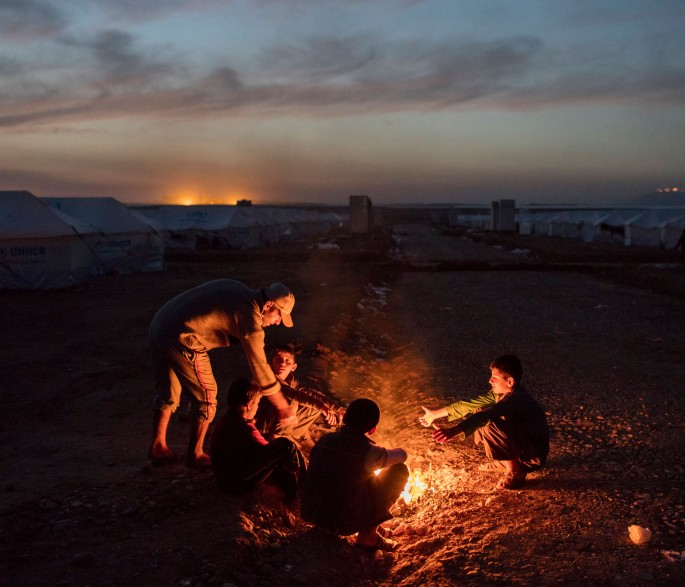 Iraq. Recently displaced Iraqis reach safety