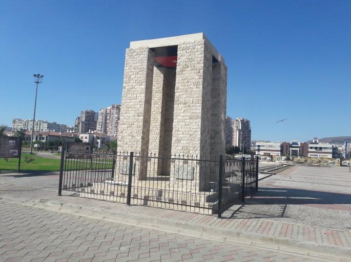 Anıt 002