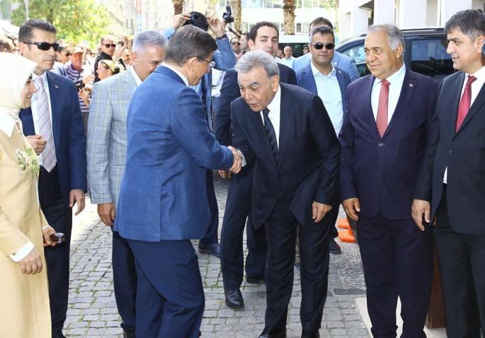 Aziz Kocaoğlu 02