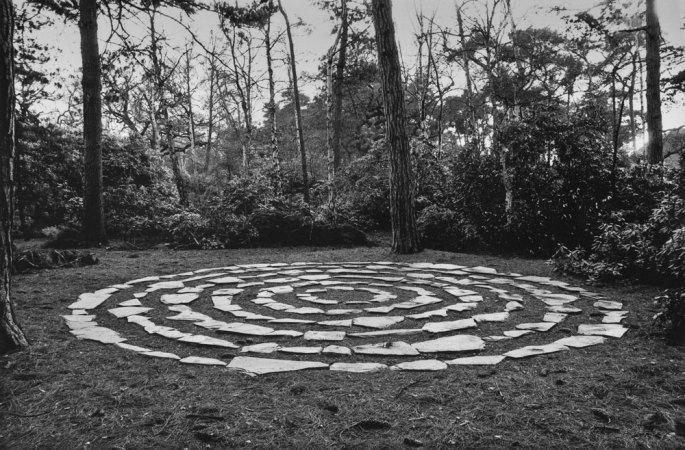 13 Six Stone Circles London 1981