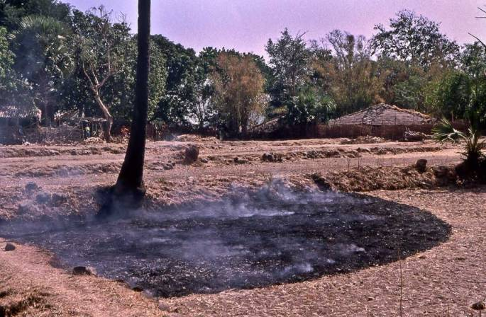 40 Smoky Arc Warli Tribal Land Maharastra India 2003