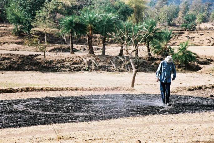 44 A Walking And Running Circle Warli Tribal Land Maharastra India 2003
