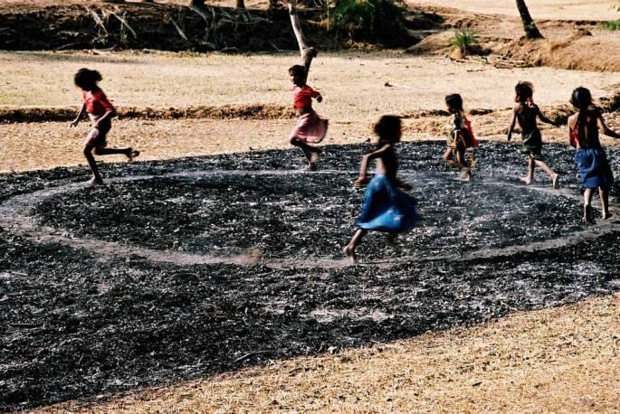 45 A Walking And Running Circle Warli Tribal Land Maharastra India 2003