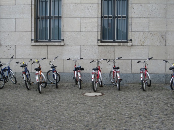 bicycles_bikes_parked_transport_urban_transportation_row-744870 (1)