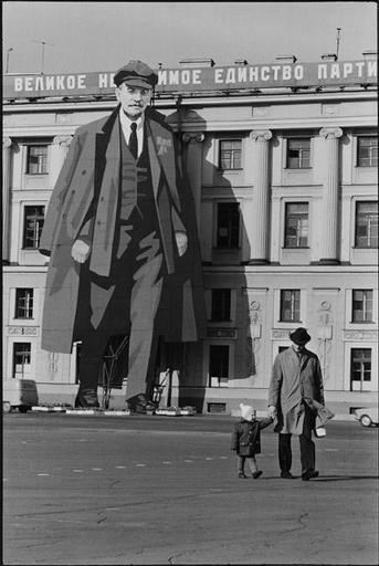 Henri Cartier-Bresson - The Man, the Image & the World